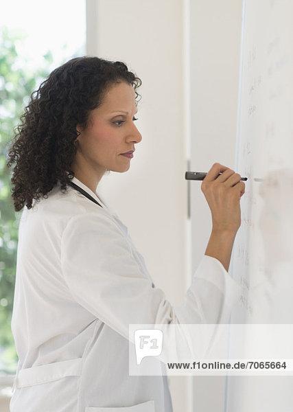 schreiben  Arzt  Weißwandtafel