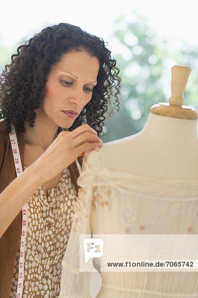 Portrait  Kleidung  arbeiten  Designer