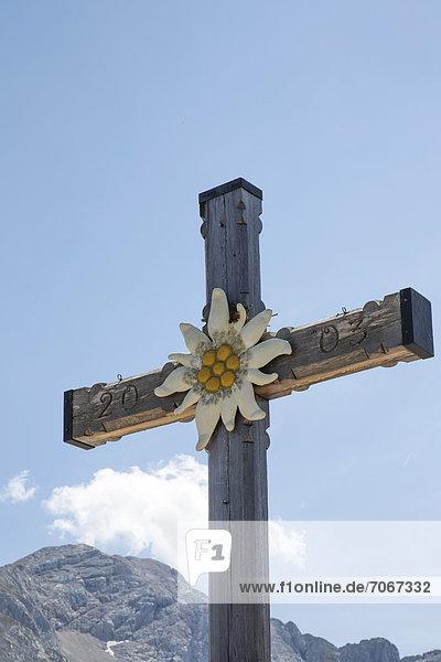 Kreuzgipfel beim Kehlsteinhaus  Berchtesgadener Land  Bayern  Deutschland  Europa
