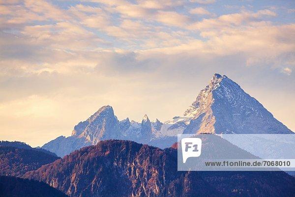 Morgenstimmung über dem Watzmann  Berchtesgadener Alpen  Bayern  Deutschland Morgenstimmung über dem Watzmann, Berchtesgadener Alpen, Bayern, Deutschland