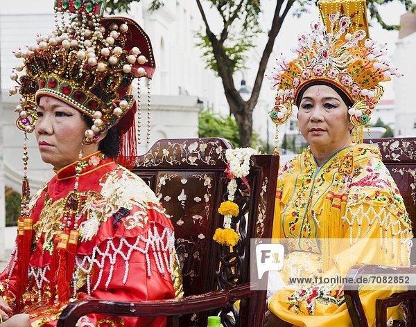 Bangkok  Hauptstadt  Frau  Fotografie  tragen  Fest  festlich  chinesisch  Kostüm - Faschingskostüm  Parade  Thailand