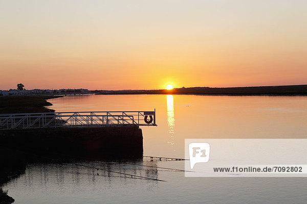 Portugal  Tavira  Faro  Blick auf den Naturpark Ria Formosa bei Sonnenaufgang