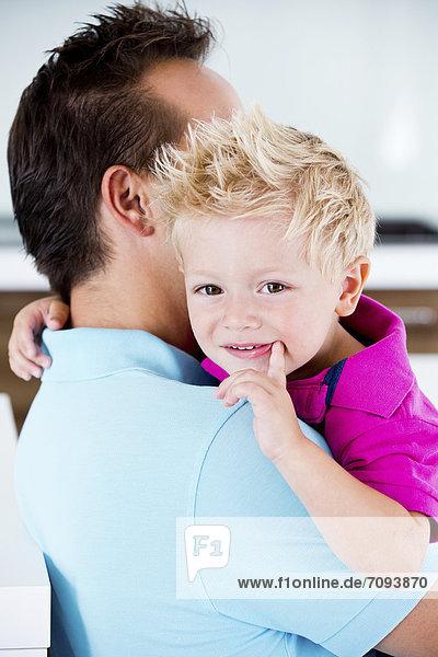 Deutschland  Vater mit Sohn