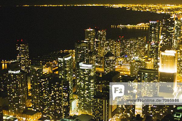 Nachtansicht von Chicago vom John Hancock Observatorium aus