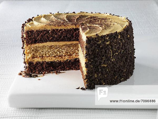 Teller mit Cappuccino-Torte