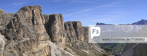 Berglandschaft in den Dolomiten  Südtirol  Italien Berglandschaft in den Dolomiten, Südtirol, Italien