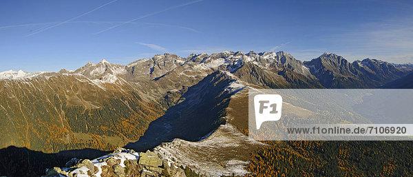 Berglandschaft im Naturpark Rieserferner-Ahrn  Südtirol. Italien Berglandschaft im Naturpark Rieserferner-Ahrn, Südtirol. Italien