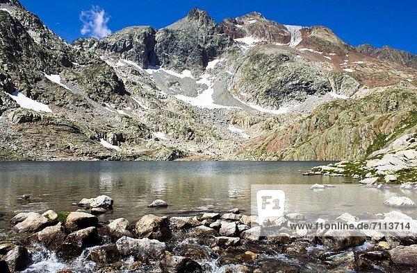Europa  Tal  See  blau  Aragonien  Huesca  Pyrenäen  Spanien