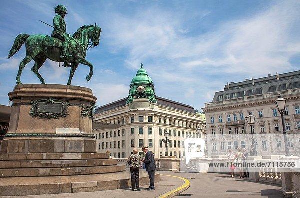Wien  Hauptstadt  Europa  Hotel  Monument  frontal  Museum  Palast  Schloß  Schlösser  Statue  Reiter  Albertina  Albertinaplatz  Österreich