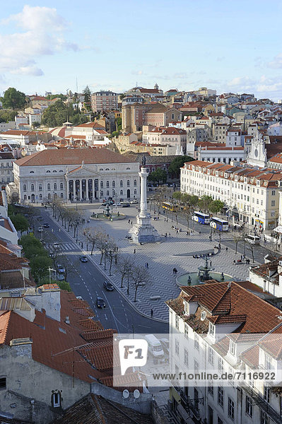 PraÁa do Rossio square with the National Theatre  Teatro Nacional Dona Maria II and the Dom Pedro IV column  Lisbon  Portugal  Europe