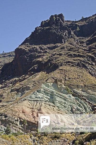 Berg Inagua und Felsformation Los Azulejos  Gran Canaria  Kanaren  Spanien  Europa
