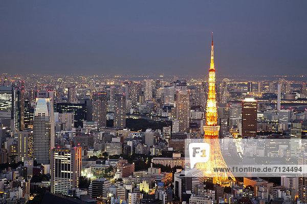 Skyline  Skylines  beleuchtet  Urlaub  Abend  Nacht  Reise  Großstadt  Tokyo  Hauptstadt  Turm  Ansicht  Roppongi  Luftbild  Fernsehantenne  Asien  Abenddämmerung  Japan  Tourismus
