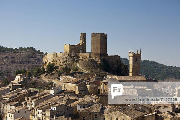 Aragon  Spain  Europe  Un Castillo  castle  church  fortress  history  landscape  remote  romantic  Pyrenees