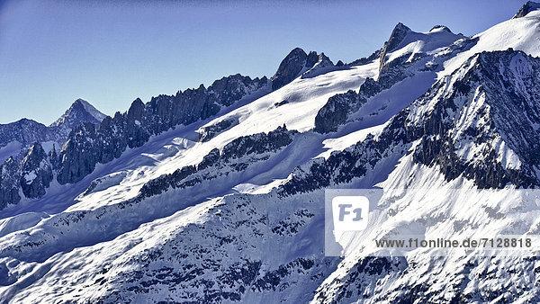 Gebirge  Landschaftlich schön  landschaftlich reizvoll  Berg  Winter  Eis  Natur  Gebirgszug  Schnee  Schweiz