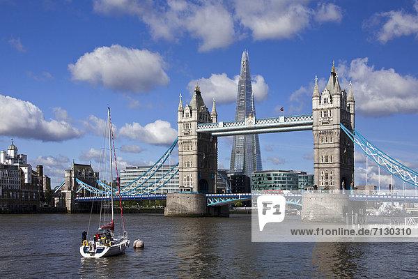 Europa  Urlaub  Großbritannien  London  Hauptstadt  Reise  Großstadt  Hochhaus  Architektur  Turm  Brücke  Fluss  Themse  Glasscherbe  England  Tower Bridge