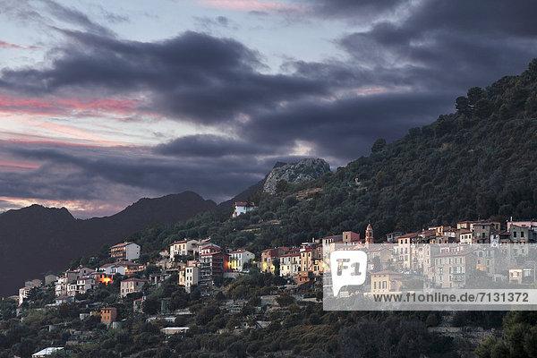 Europa  Abend  Dorf  Imperia  Italien  Ligurien