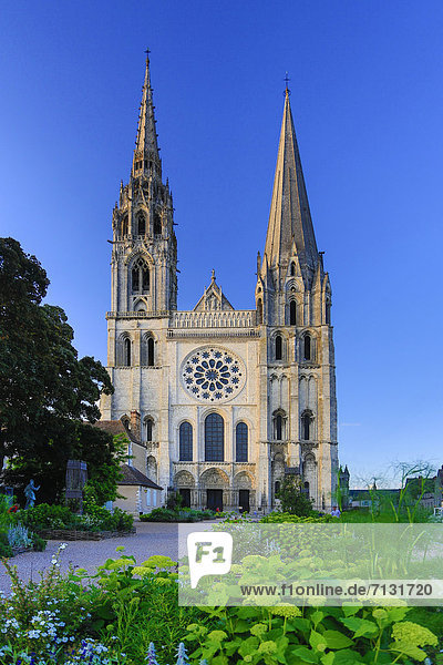 France  Europe  travel  Chartres  cathedral  world heritage  architecture  history  main  medieval  tourism  Unesco  facade
