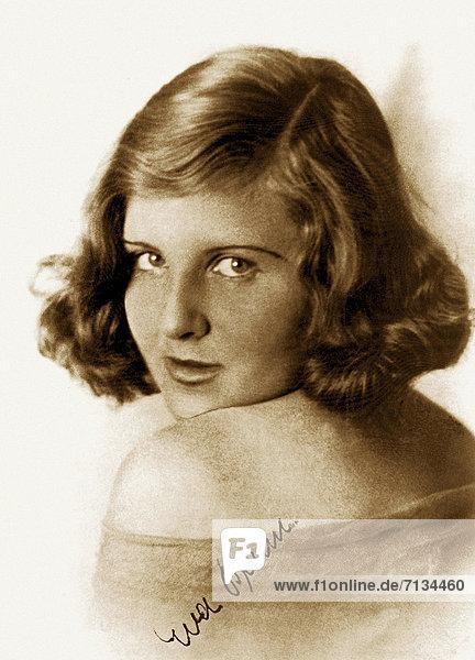 Portrait  Jugendlicher  Ehefrau  Deutschland  München