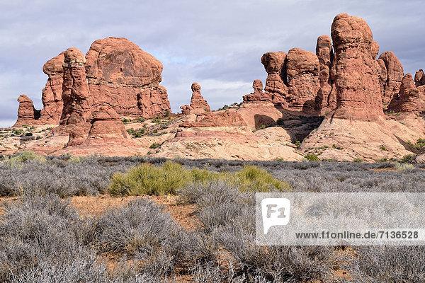 Garden of Eden  Felsformation aus rotem Sandstein  Arches-Nationalpark  Moab  Utah  USA