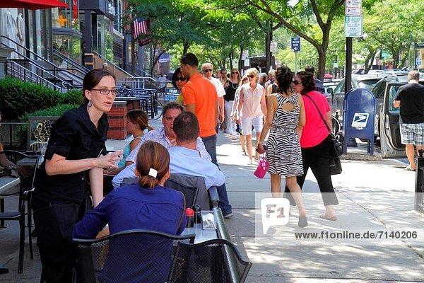 Frau  Restaurant  Reichtum  kaufen  Back Bay  Boston  japanisch  Massachusetts  Kellnerin