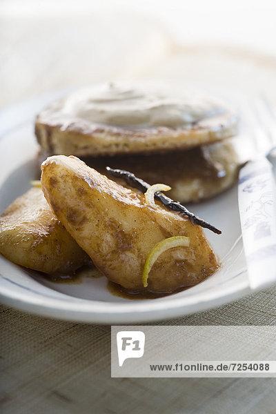Spazierstock  Stock  Birne  Gewürz  Käse  Pfannkuchen  Sirup