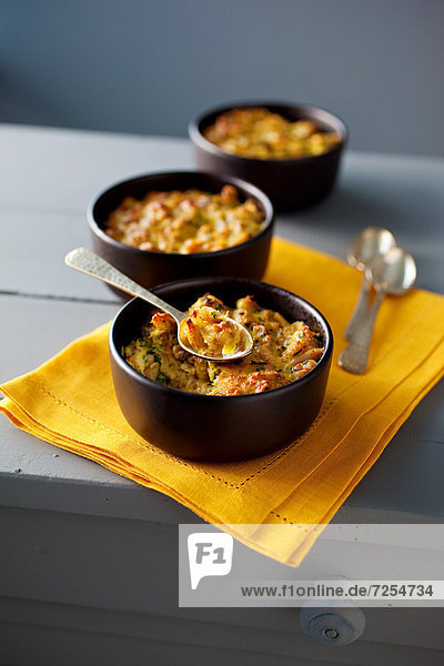 Crab-chicken gratin