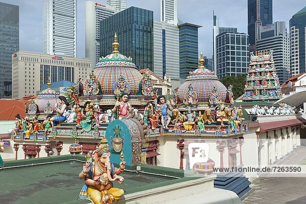 The roof of the Sri Mariamman Temple  a Dravidian style temple in Chinatown  Singapore  Southeast Asia  Asia