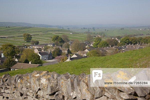 Europa Stein Wand Großbritannien trocken Dorf Derbyshire England