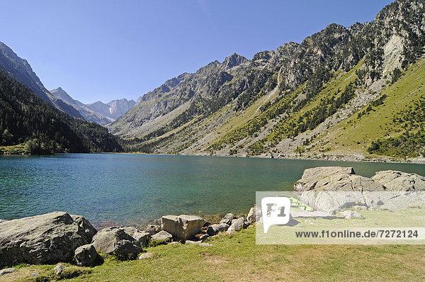 Lac de Gaube  See  Cauterets  Midi Pyrenees  Pyrenäen  Nationalpark  Gebirgslandschaft  Departement Hautes-Pyrenees  Frankreich  Europa  ÖffentlicherGrund