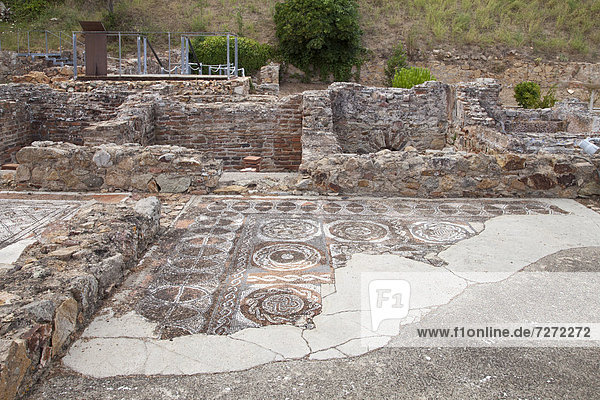 Mosaikboden in der Ausgrabungsstätte Villa Romana dels Amettlers  Tossa de Mar  Costa Brava  Katalonien  Spanien  Europa