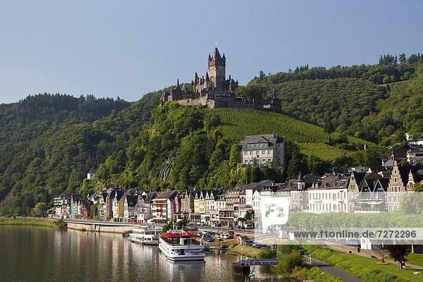 Europa Palast Schloß Schlösser Stadt Fluss Ansicht Cochem Deutschland Reichsburg Rheinland-Pfalz