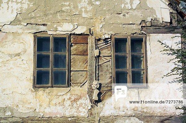 Europa Fenster Wohnhaus Paar Paare Vernichtung Kroatien alt