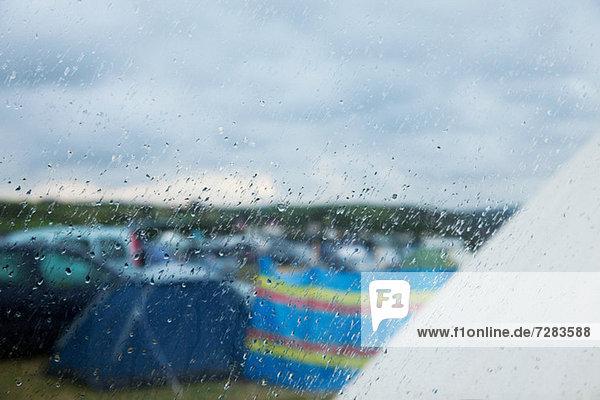 Campingplatz im Regen