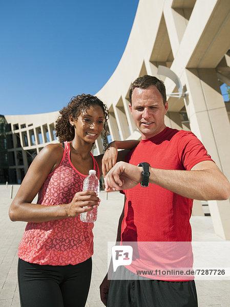 Frau  Mann  Prüfung  Zeit  joggen