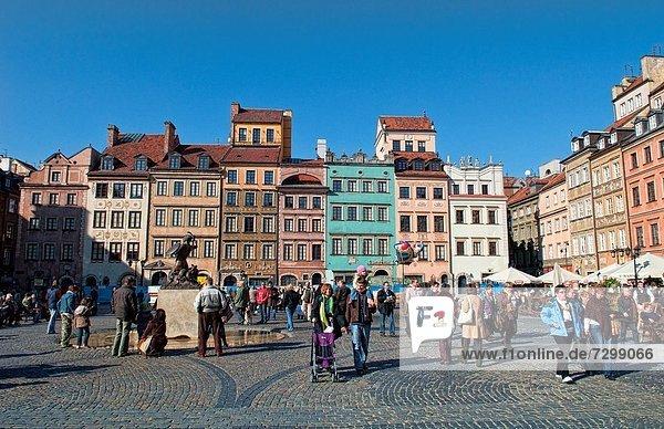 Warschau  Hauptstadt  Stadt  Quadrat  Quadrate  quadratisch  quadratisches  quadratischer  Sehenswürdigkeit  bevölkert  alt  Polen