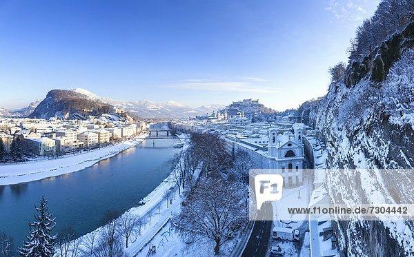 Blick vom Mönchsberg zum Stadtteil Mülln  Salzburg  Österreich