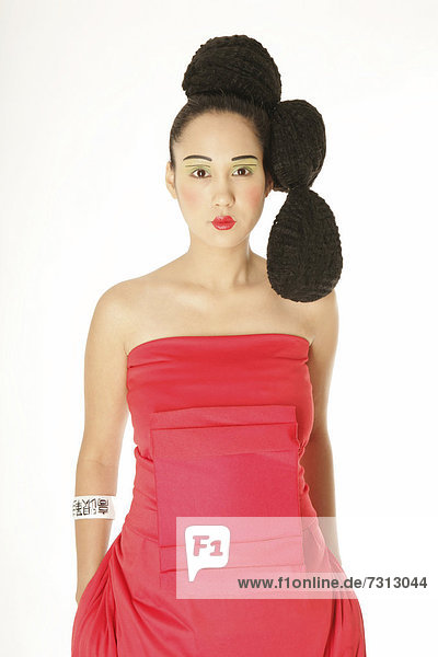 Young Filipino woman sporting a Geisha look