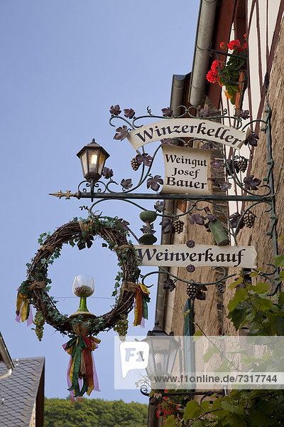 Gaststättenschild  Weinverkauf  Winzerkeller  Beilstein  Mosel  Rheinland-Pfalz  Deutschland  Europa  ÖffentlicherGrund