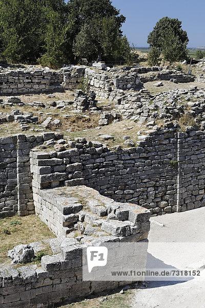 City walls and the ruins of Troy  Truva  UNESCO World Heritage Site  Canakkale  «anakkale  Marmara  Turkey  Asia