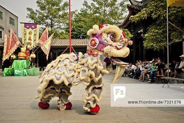 Traditioneller Löwentanz  Foshan  China