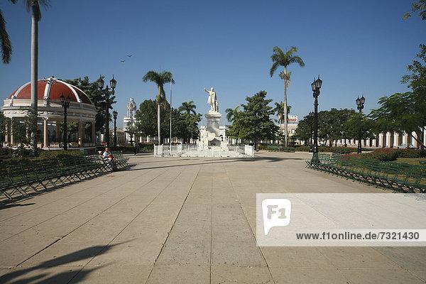 Parque Jose Marti in Cienfuegos  Kuba  Amerika