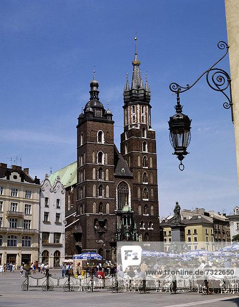 Großstadt  Kirche  Quadrat  Quadrate  quadratisch  quadratisches  quadratischer  Cafe  Krakau  Polen