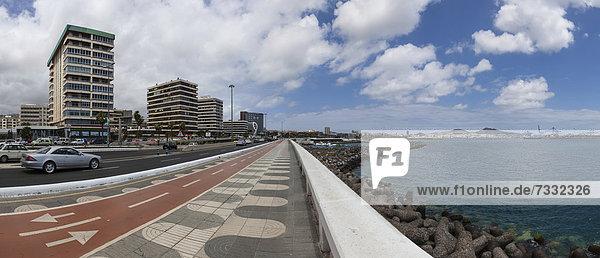 Ave de Canarias waterside promenade  Las Palmas  Gran Canaria  Canary Islands  Spain  Europe  PublicGround