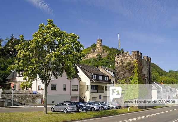 Ortsbefestigung  Eckturm  hinten Burg Fürstenberg  Unesco Weltkulturerbe Oberes Mittelrheintal  Rheinland-Pfalz  Deutschland  Europa