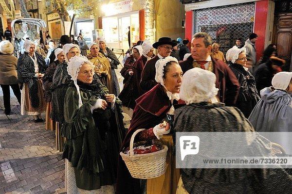 Frankreich  Europa  Tradition  Straße  Kleidung  Aubagne  Parade