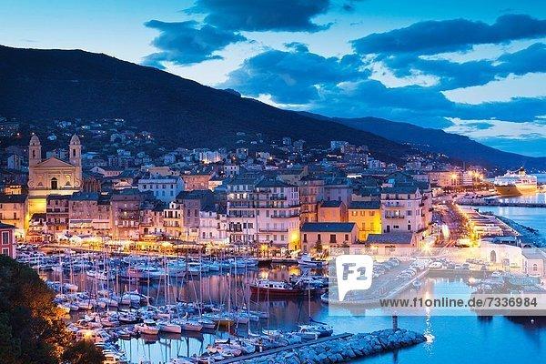 Hafen , Frankreich , Ansicht , Erhöhte Ansicht,  Aufsicht , heben , Bastia , Korsika , Abenddämmerung , alt