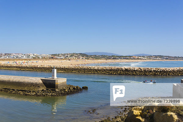 Aussicht von der Festungsmauer Ponta da Bandeira  auf die Marina  Lagos  Algarve  Portugal  Europa