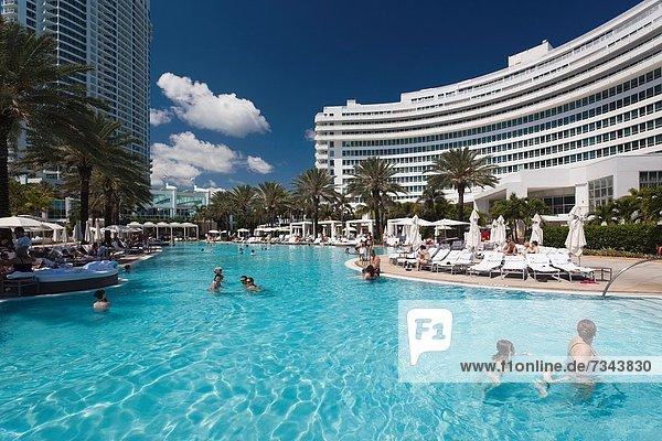 Vereinigte Staaten von Amerika  USA  Beckenrand  Miami Beach