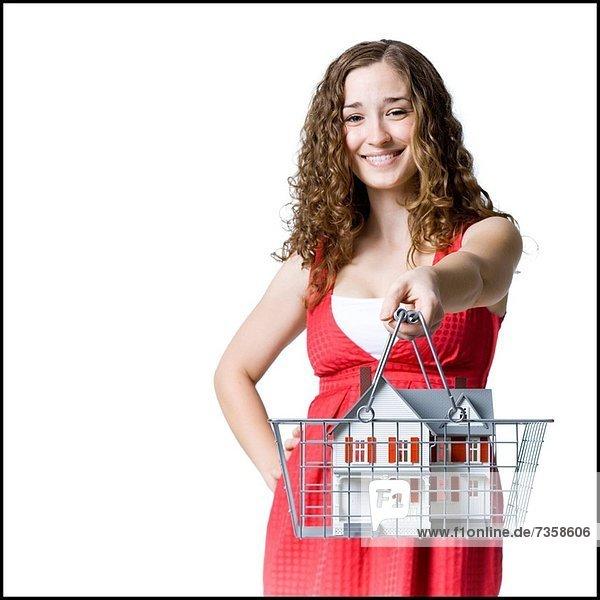 Wohnhaus, Korb, Modell, Mensch, halten, kaufen, Miniatur