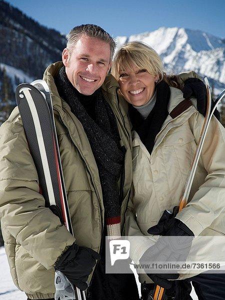 Portrait  halten  Gerät  Skisport  Erwachsener